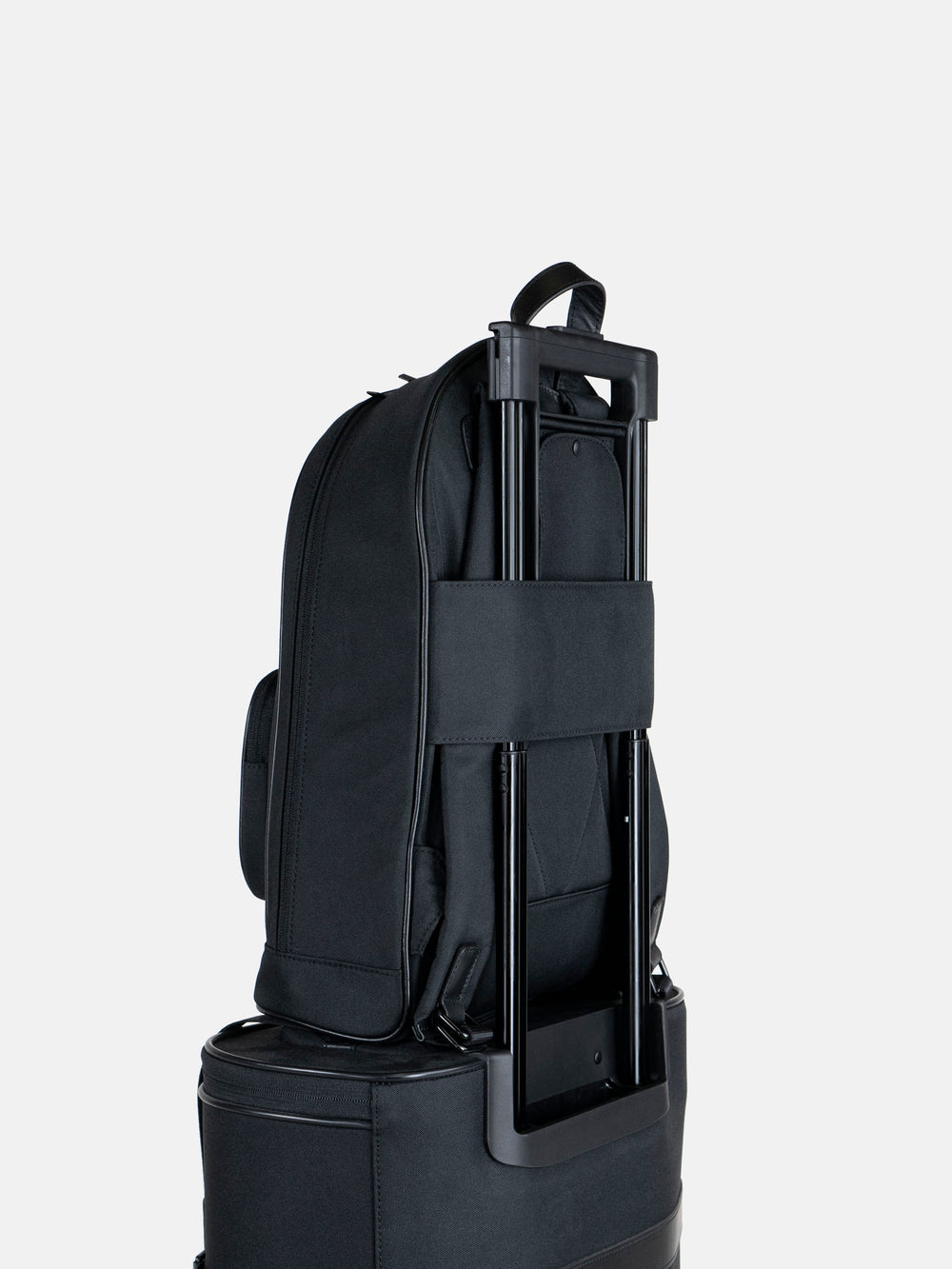 c30 backpack on luggage handle