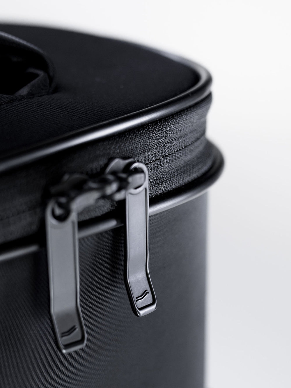 legacy c38 carry on high quality zippers