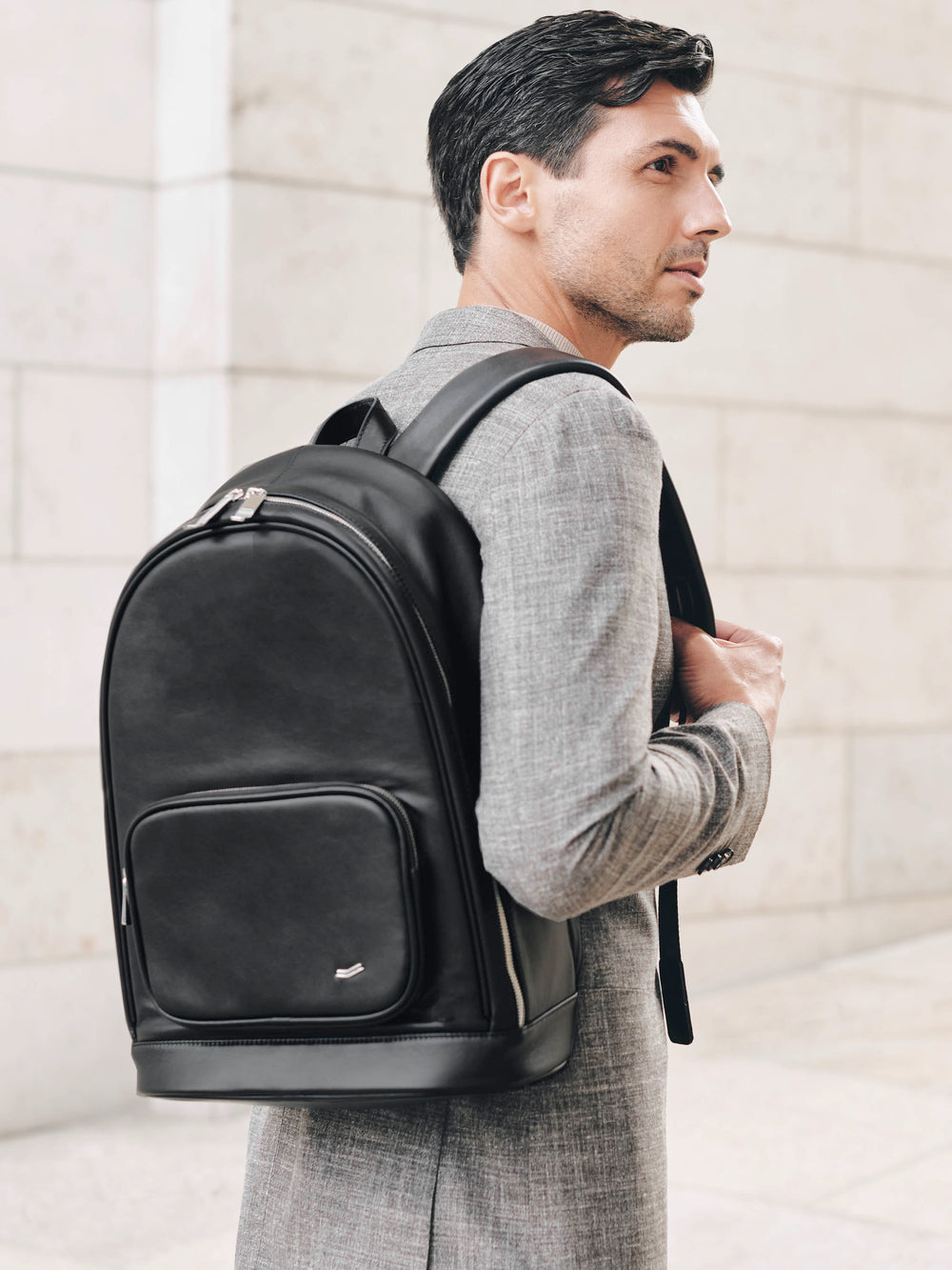 f30 business backpack in italian black leather schwarzes leder