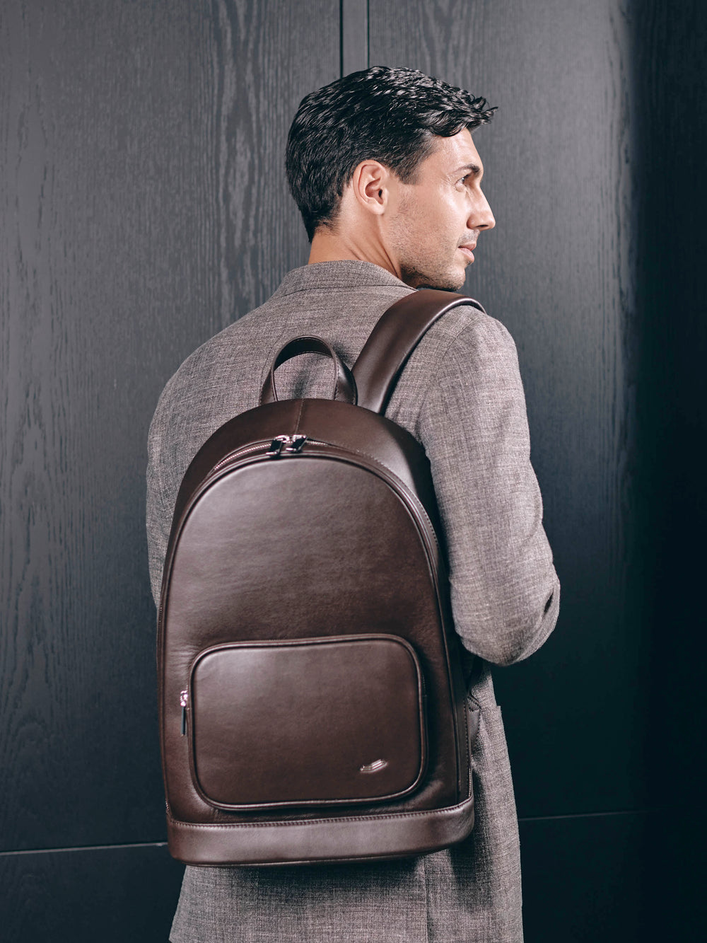 f30 business backpack in italian brown leather  braunes leder