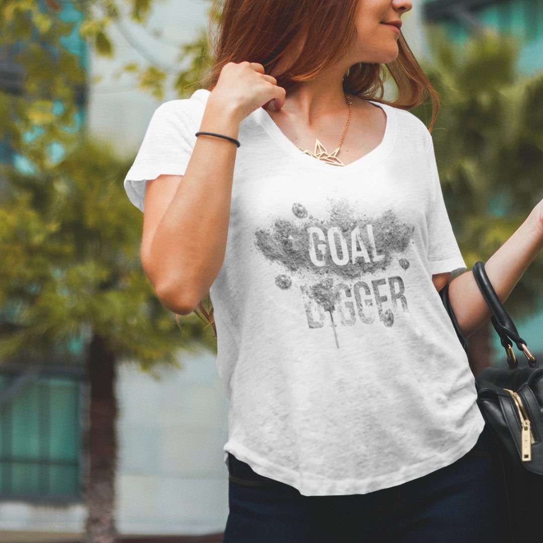 "Womens Scoopneck T-Shirt ""GoalDigger"" WhiteXS - Mperior: The Store For Entrepreneurs, Hustlers and Achievers"