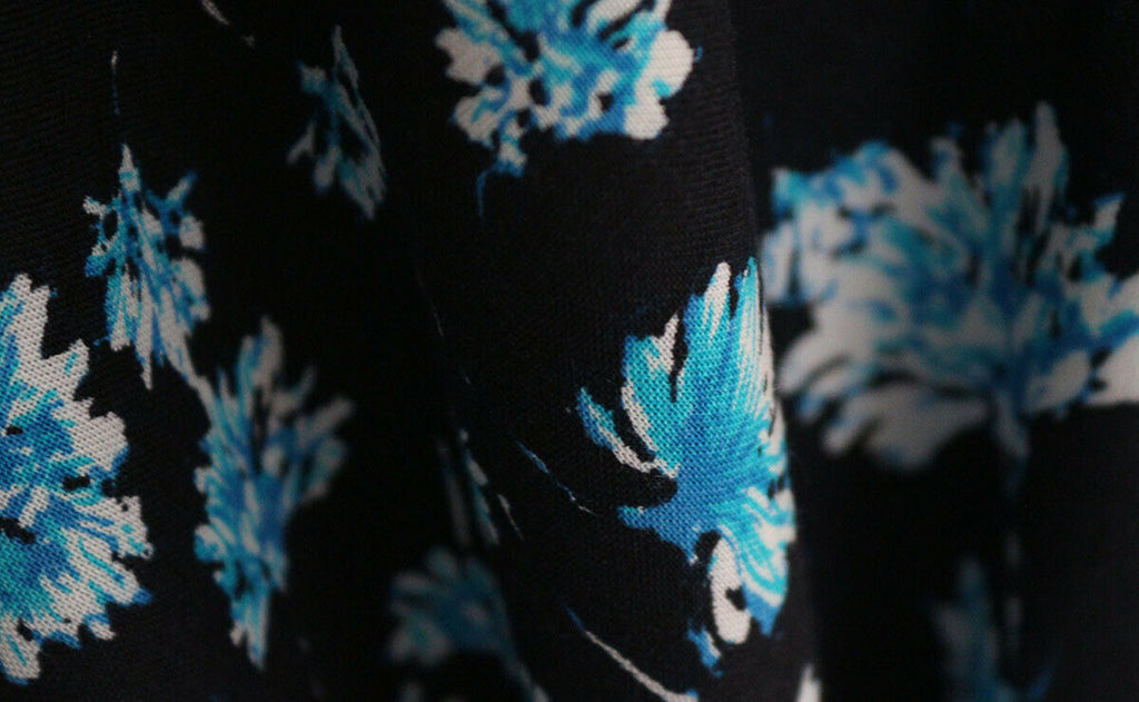SALE !!! Falling Floral Print 100% Spun Viscose Voile Dress Fabric Material