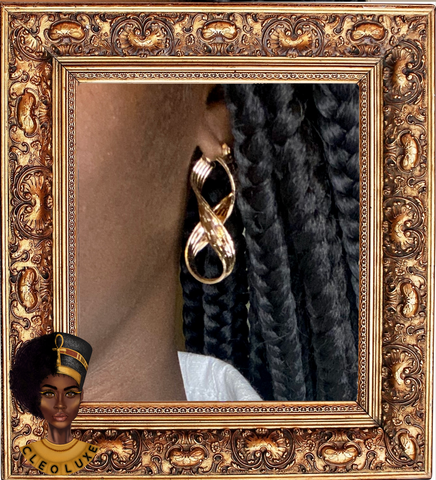 WITH A TWIST Gold Earrings