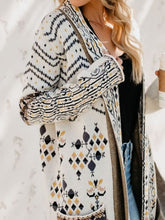 Load image into Gallery viewer, White Long Sleeve Knitted Plus Size Cardigan