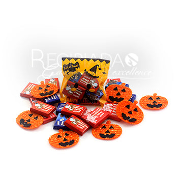 Halloween-Trick or Treat small bags with chocolates