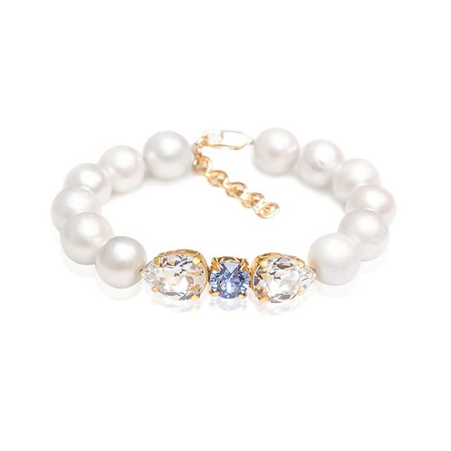 White natural Baroque pearls, Swarovski crystals Gold plated statement classic fine luxury handmade ootd bracelet