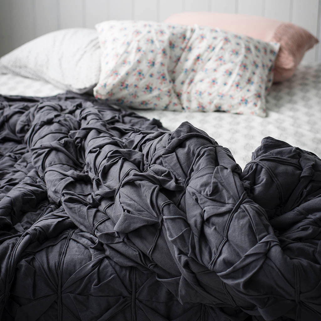 15 reasons to use weighted blanket