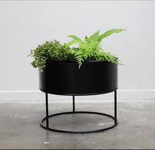 Load image into Gallery viewer, Cuba Planter - Due back in stock June 2021