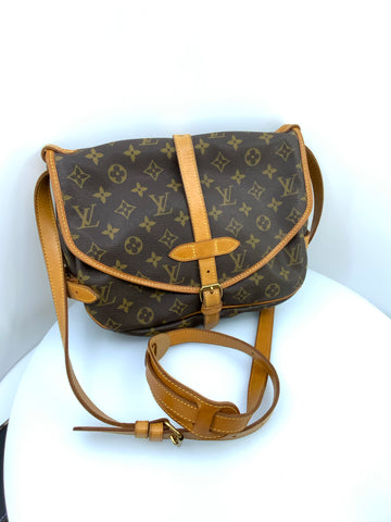 Louis Vuitton Monogram Saumar 25 Handbag