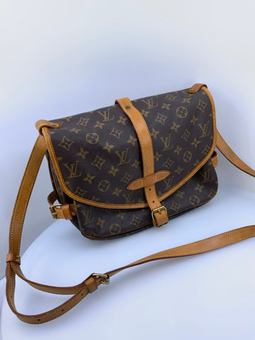 Louis Vuitton Saumar 25 Handbag