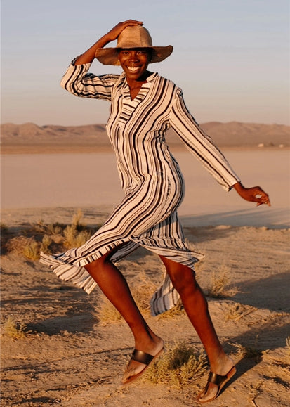 Free Shipping -- Black And White Striped Print Long Sleeve V-Neck Beach Dress
