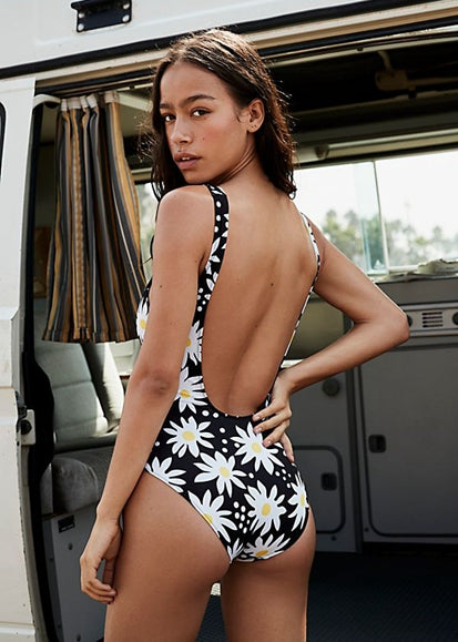 Free Shipping -- Fashion Chrysanthemum Print Shoulder Straps Monokini