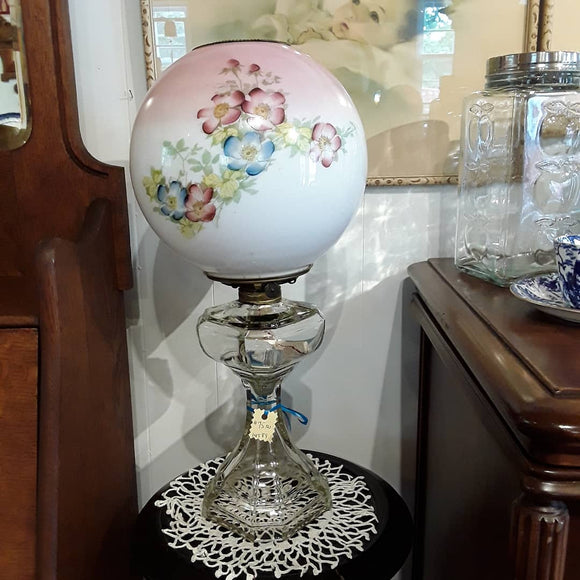 Oil lamp with Beautiful Round Shade