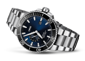 Oris Aquis Small Second Date Automatic (Blue Dial / 45.5mm)