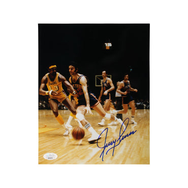 Jerry Lucas New York Knicks Autographed Driving vs. Chamberlain 8x10 Photograph (JSA Authenticated)