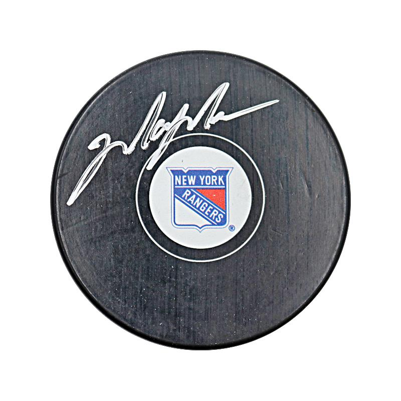 Mark Messier New York Rangers Autographed Puck (CX Authenticated)