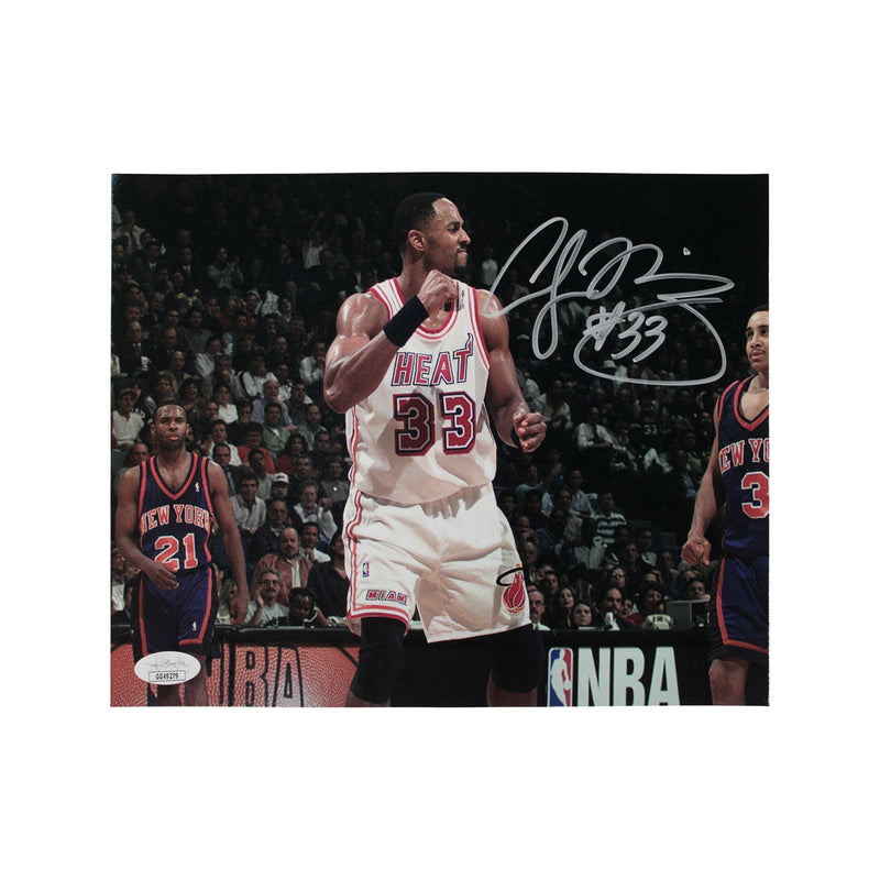 Alonzo Mourning Miami Heat Autographed Pump Fist vs Knicks 8x10 Photograph (JSA Authenticated)