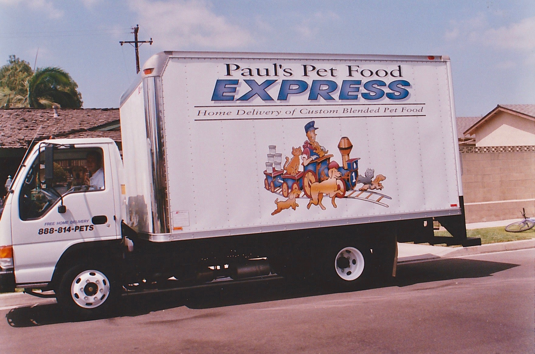 Pauls Pet Food Delivery Truck