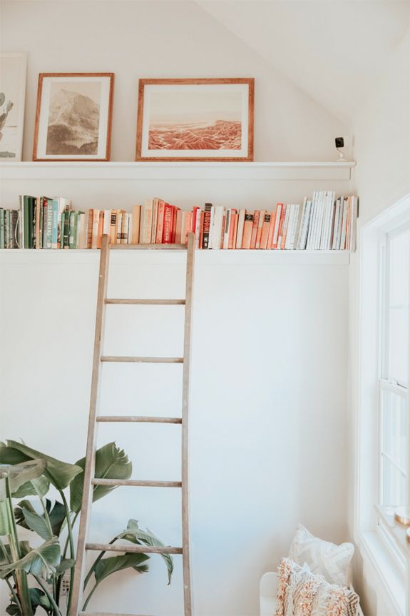 5 Books Every Girl Boss Should Have On Her Bookshelf