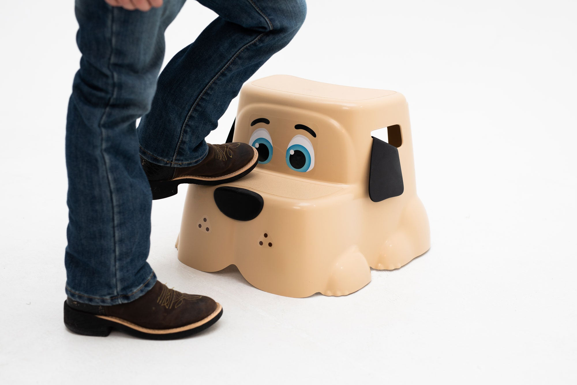 Potty Pet's dog can be used as a step stool