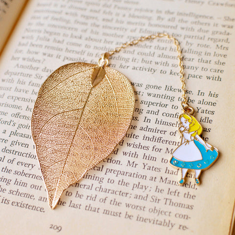 Leaf Pendant Alice, Clock, and Rabbit Bookmark