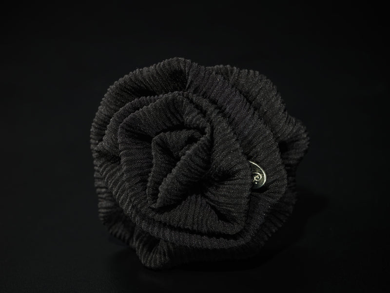 MyB Silk Flower Plissè Crepe Black