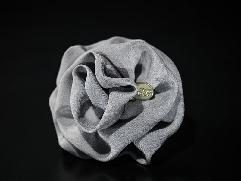 MyB Silk Flower Matt Grey