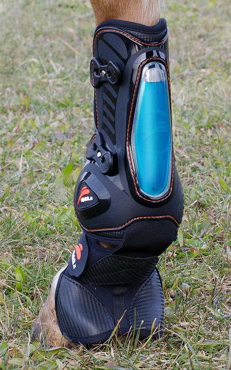 eShock Integrated Tendon & Overreach Boots by eQuick