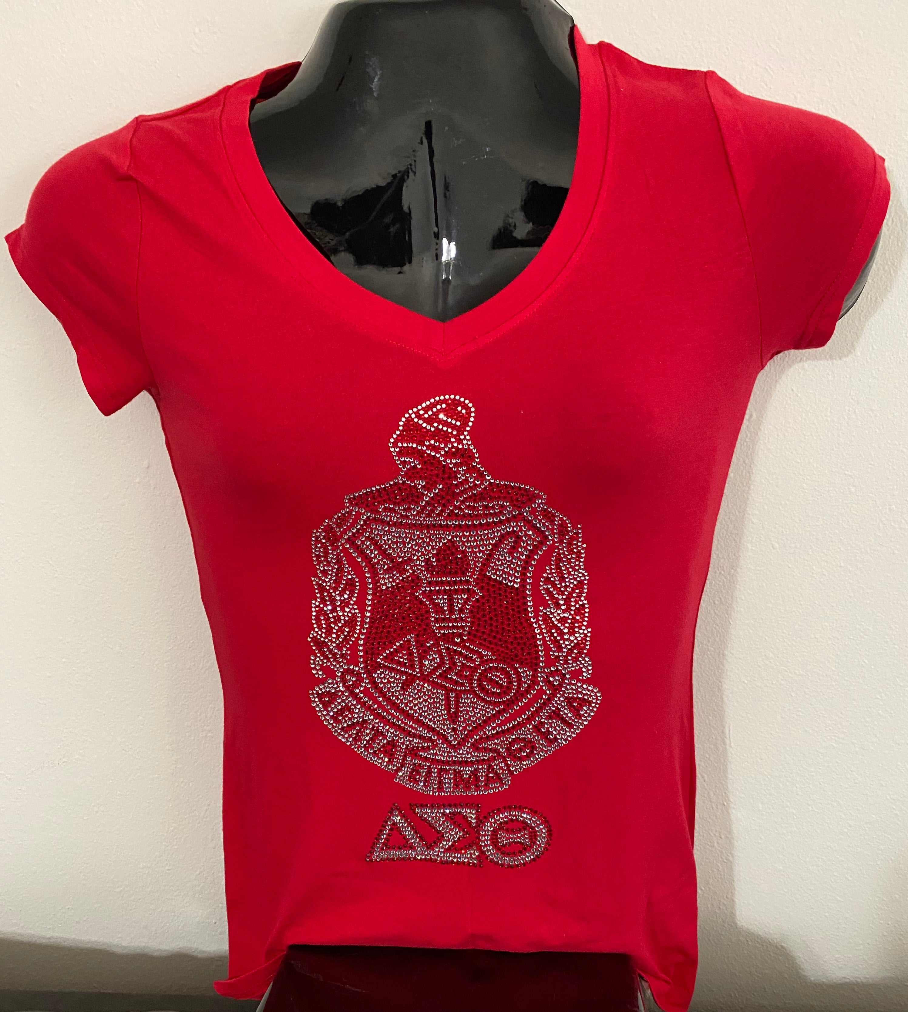A Delta Crest fitted  V-neck T-shirt