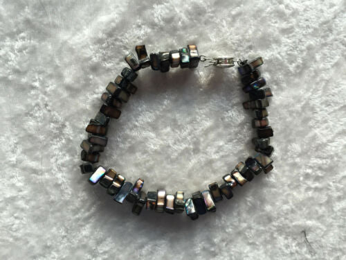 Natural Mother of Pearl Shell Beaded Chips Bracelet