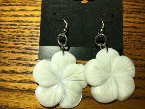 natural mother of pearl carved flower dangle earrings