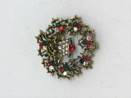 Resin Christmas Wreath Pin Brooch Gold or Silver