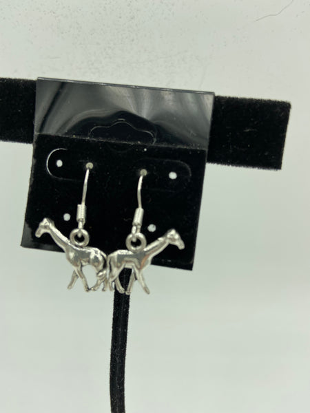 silvertone 3d giraffe charm dangle earrings with sterling silver hooks