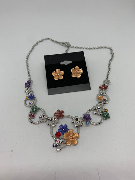 Multicolor and Gold Flowers Adjustable Necklace and Stud Earrings Set