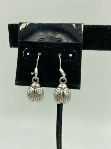 silvertone 3d ladybug charm dangle earrings
