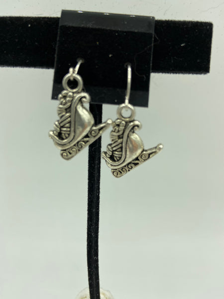 silvertone christmas santa sleigh charm dangle earrings