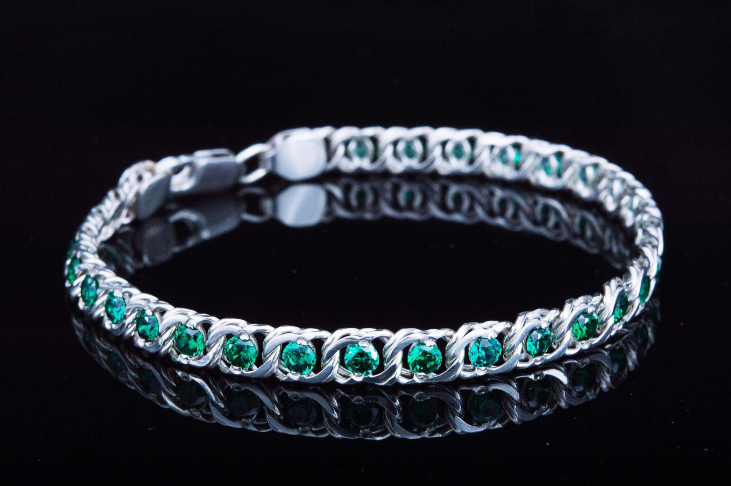 Ancient Smithy VW jewelry Handmade Sterling Silver Bracelet with Green Cubic Zirconoa Jewelry