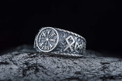 Ancient Smithy VW jewelry Vegvisir Symbol Hail Odin Runes Sterling Silver Norse Jewelry