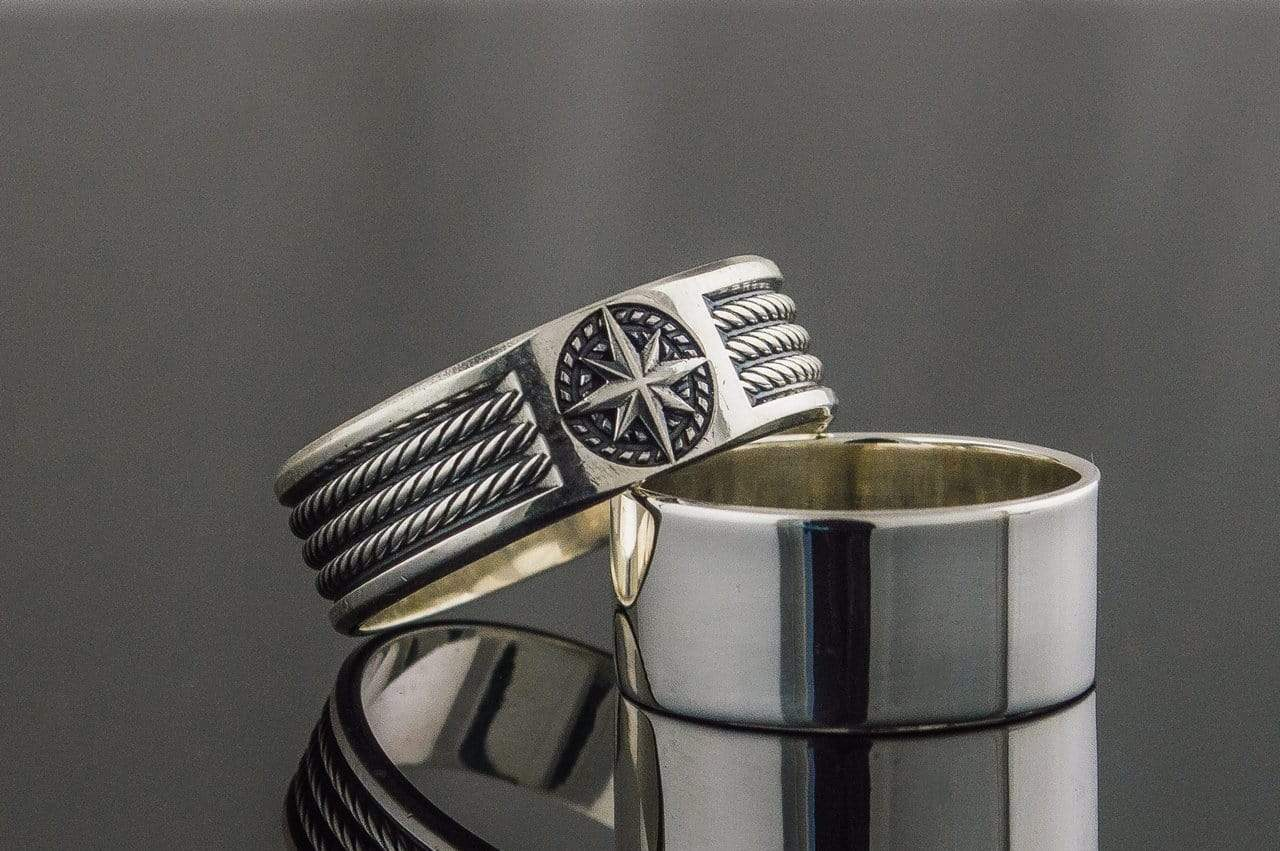Ring with Compass Symbol Ornament Style Sterling Silver Jewelry