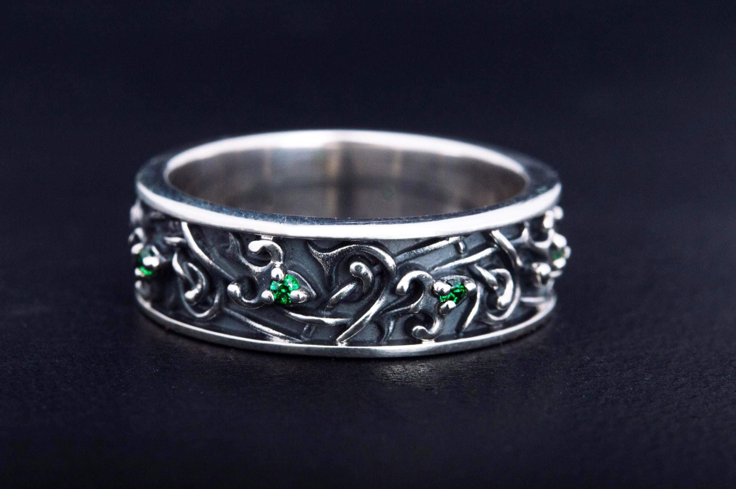 Ornament Ring with Green Cubic Zirconia Sterling Silver Jewelry