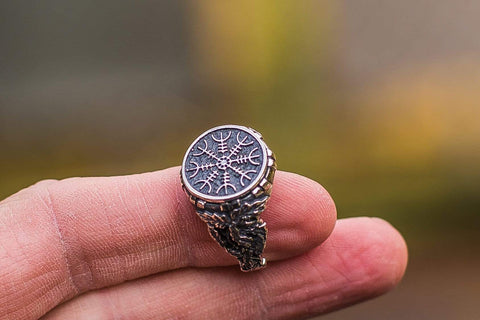 Ancient Smithy VW Rings Oak Leaves Collection - Helm of Awe Ring