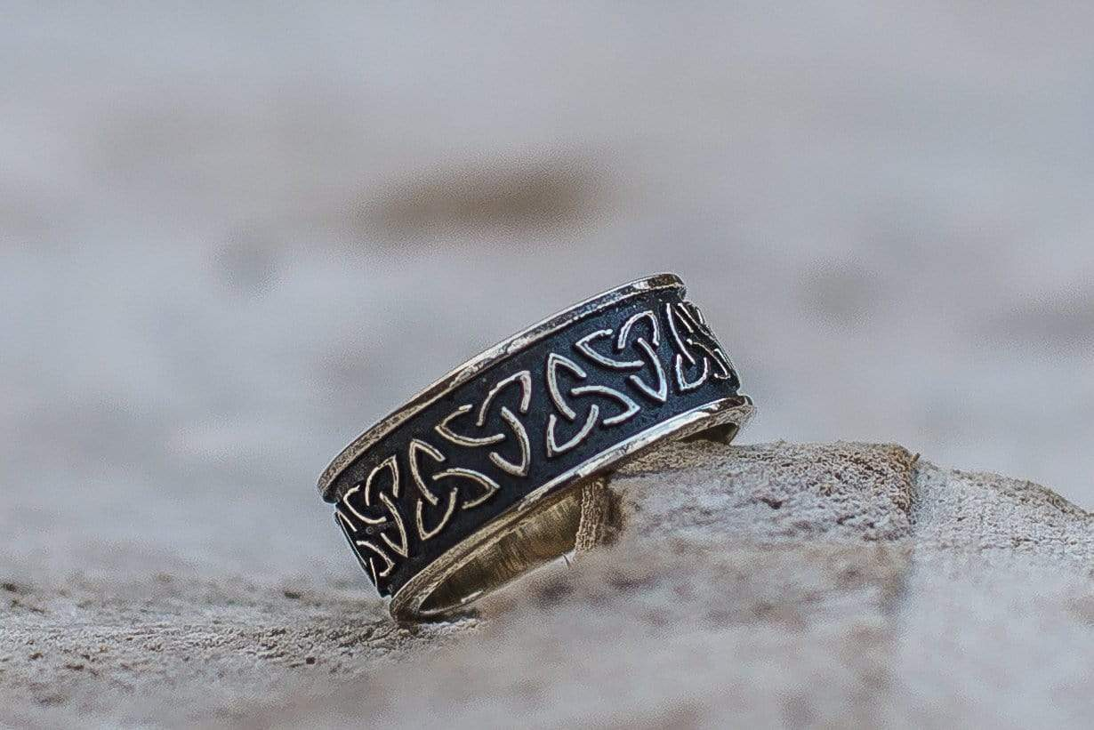 Ancient Smithy VW Rings The Power of Three Triquetra  Ring Ancient Celtic symbol