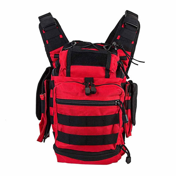 First responder bag has plenty of space with 7 compartments total for lots of storage.