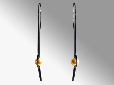HUKU Black Silver Earrings - Gold Pearl