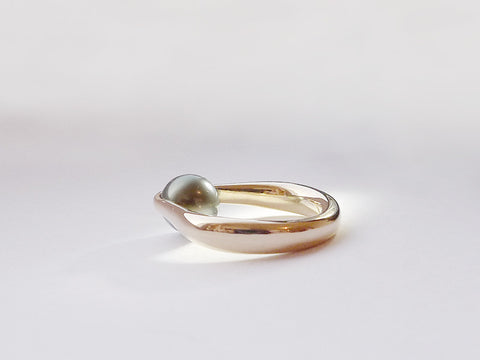 HUKU Gold Ring with Tahiti pearl