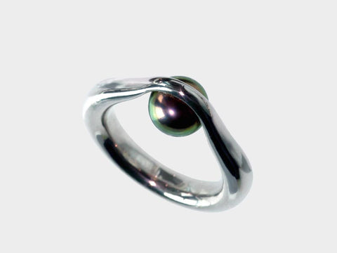 HUKU Silver Ring - Black Pearl