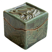 Load image into Gallery viewer, Frog Itty Bitty box by Black Cat Pottery