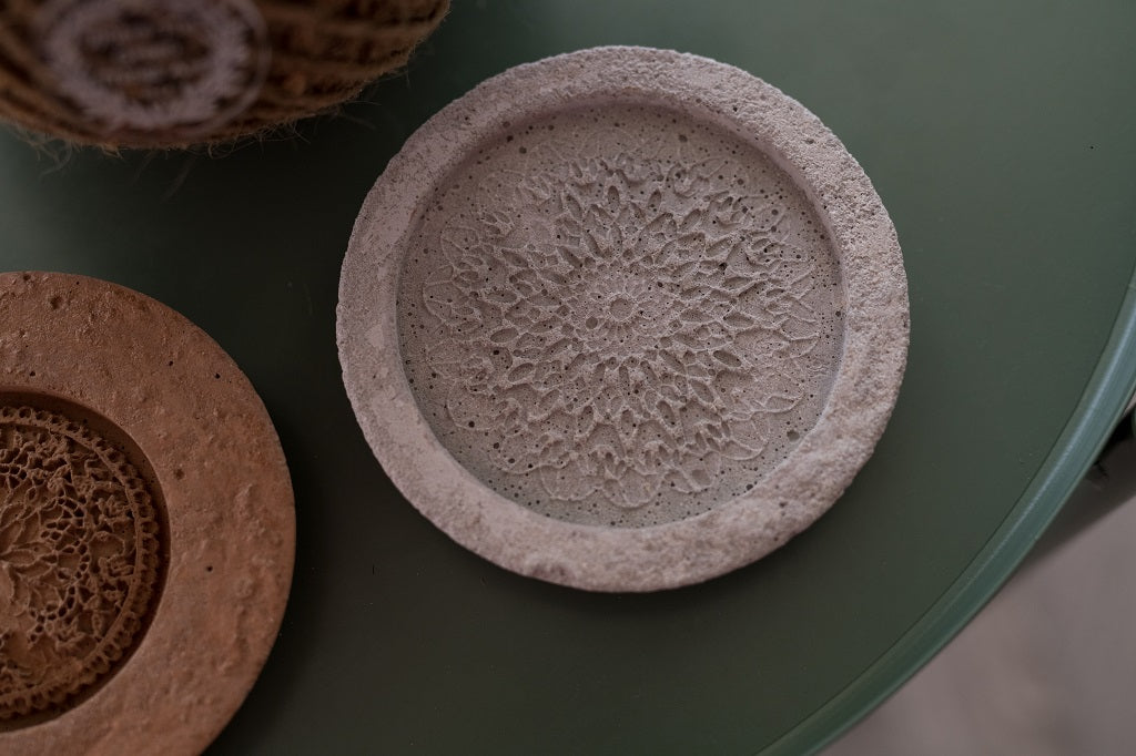 Concrete coaster with mandala - Where The Green Things Are