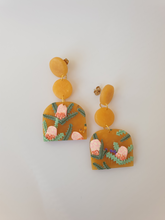 Load image into Gallery viewer, Banksia Collection - Amber Dangles