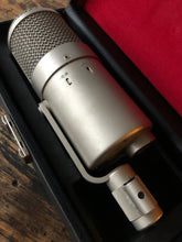 Load image into Gallery viewer, Neumann U47 FET sn.3104